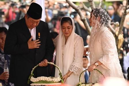 SBY Berlebaran di Cikeas
