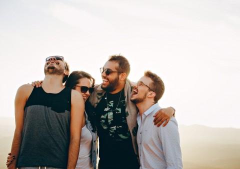 Penelitian: Hubungan Sosial yang Baik Kunci Kebahagiaan