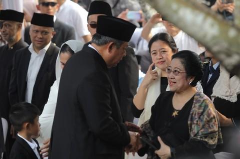 Jabat Tangan SBY-Megawati Diharapkan Angin Segar untuk Partai