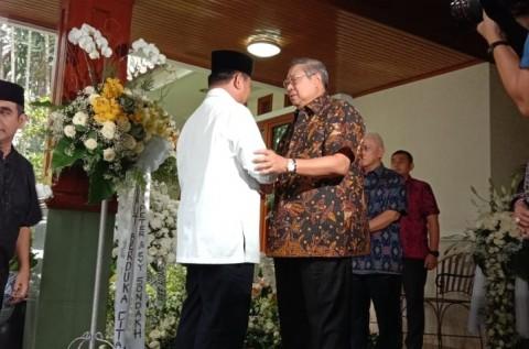 Prabowo Minta Maaf Telat Melayat ke Rumah SBY
