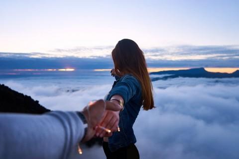 Tanda-tanda Anda dalam Hubungan yang Beracun