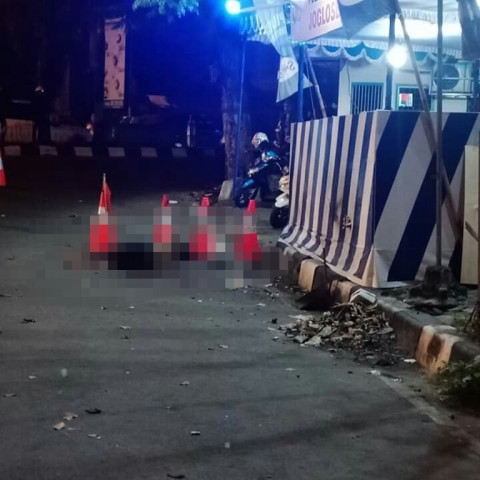 Polisi Sterilisasi TKP Diduga Bom Bunuh Diri di Kartasura