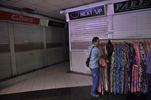 Pasar Tanah Abang Mulai Tutup