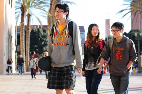 AS Bersikeras Tetap Terima Mahasiswa dari Tiongkok