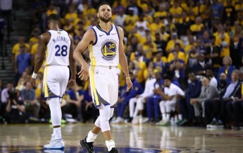 Curry Cetak Rekor, Warriors Dibungkam Raptors