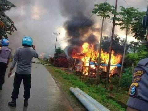 87 Rumah Terbakar Akibat Bentrokan Warga Sulawesi Tenggara