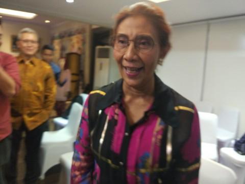 Menteri Susi Cari Baju Lebaran Murah di <i>Online Shop</i>