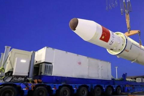 Tiongkok Luncurkan Roket dari Kapal