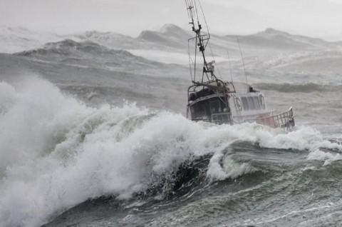 Kapal Penyelamat Terbalik di Prancis, Tiga Kru Tewas