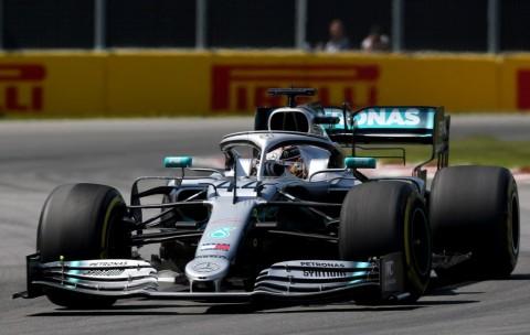 Penalti Vettel Bantu Hamilton Juara GP Kanada