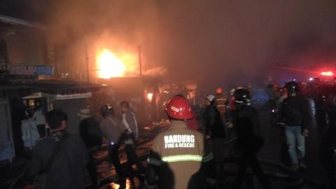 Polisi Selidiki Penyebab Kebakaran Pasar Ujungberung Bandung