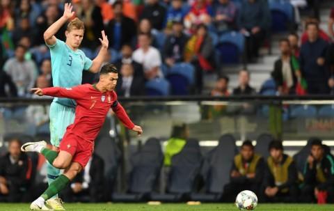 Ronaldo Ajak De Ligt Gabung Juventus