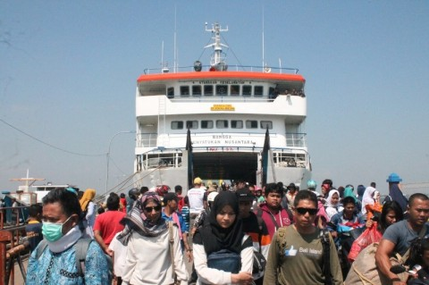 Warga dan Wisatawan Mulai Meninggalkan Karimunjawa