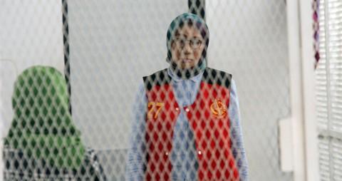 Ratna Sarumpaet Minta Dirujuk ke Rumah Sakit