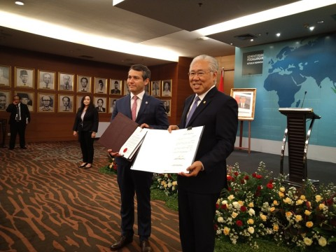 Indonesia, Chile Exchange Instruments of Ratification on IC-CEPA