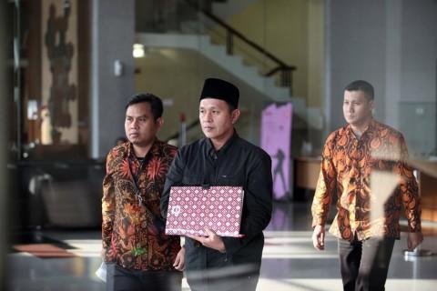 KPK 'Garap' Bupati Lampung Tengah