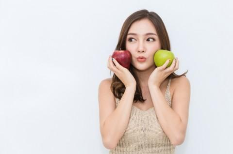 Kolesterol Turun dengan Makan Apel Setiap Pagi
