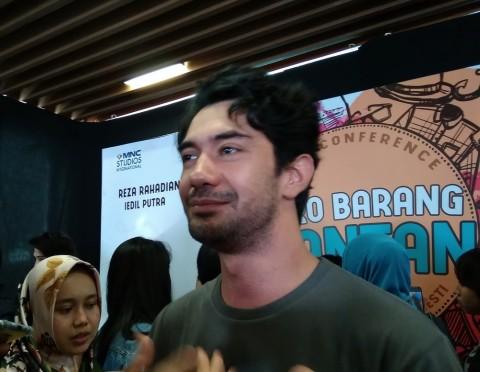 Reza Rahadian Janjikan Penampilan Tak Biasa di Film Toko Barang Mantan