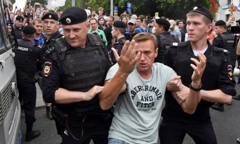 Demo Terkait Jurnalis, Rusia Tangkap 500 Orang