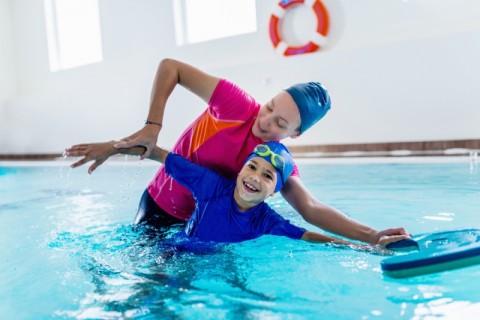 Manfaat Berenang untuk Tumbuh Kembang Anak