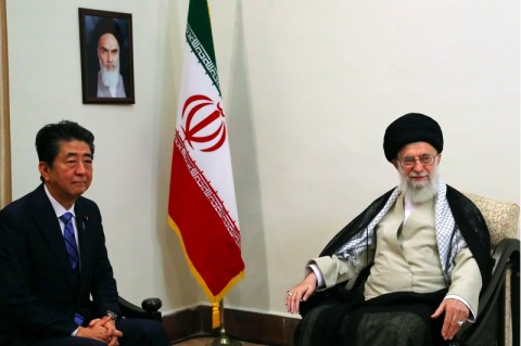 Temui Khamenei, PM Jepang Berupaya Redakan Ketegangan Iran-AS