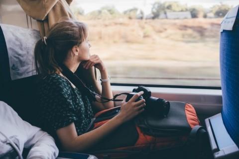 Tips Nyaman Naik Kereta Api Jarak Jauh