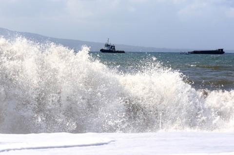 Nelayan Gunungkidul Rugi Akibat Gelombang Tinggi