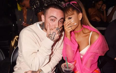 Ariana Grande Menangis saat Konser di Kampung Halaman Mac Miller