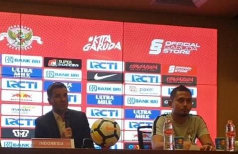 Simon <i>Nervous</i> Debut di GBK sebagai Pelatih Indonesia