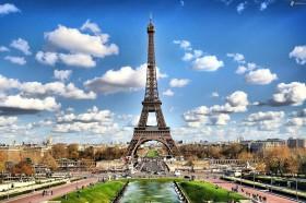 Menikmati Hiburan Gratis di Paris