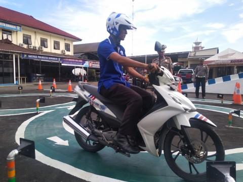 Pemohon SIM di Bekasi Ditangkap karena Berusaha Suap Polisi