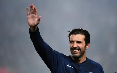Alasan Buffon Menolak Bertahan di PSG
