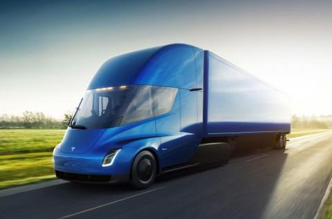 Gara-Gara Baterai, Truk Listrik Tesla Tertunda Hingga 2020