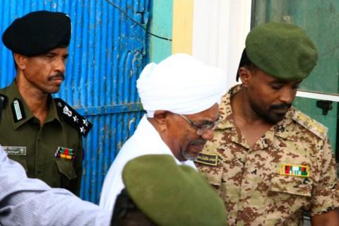 Mantan Pemimpin Sudan Muncul ke Publik Sejak Digulingkan