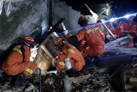 Tiongkok Diguncang Gempa 6 Magnitudo, 11 Tewas