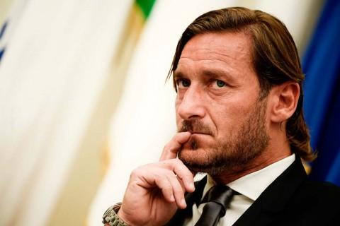 AS Roma Bantah Tuduhan Totti