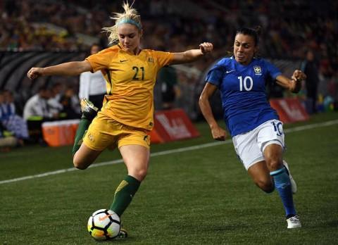 Pesepak Bola Putri Marta Vieria Cetak Rekor