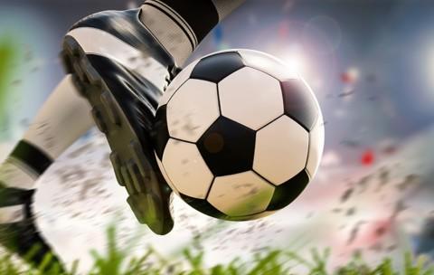10 Pemain Becamex Taklukkan PSM Makassar