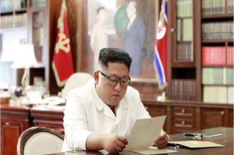 Kim Jong-un Terima Surat 'Luar Biasa' dari Trump