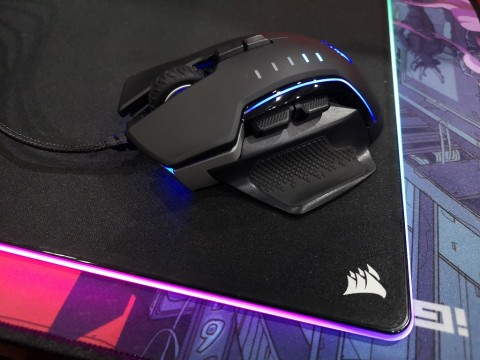 Corsair Glaive RGB Pro, Paling Nyaman Bisa Ganti Grip