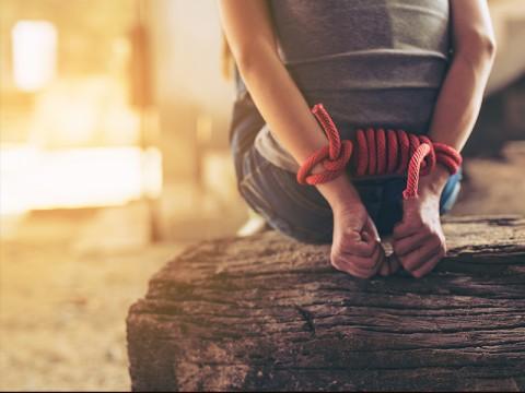 Lima Karyawan Gudang di Bekasi Disekap Kawanan Rampok