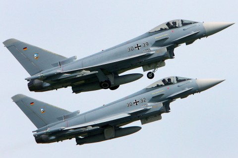 Dua Jet Tempur Jerman Tabrakan, Satu Pilot Tewas
