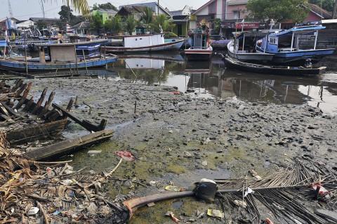 Nelayan Desak Pengerukan Lumpur di Pelabuhan Karangatu