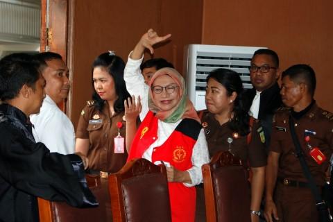 Ratna Sarumpaet Merasa Hukumannya Melebihi Koruptor