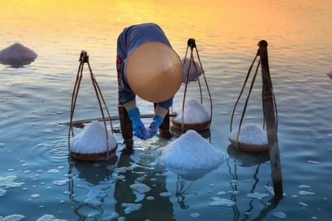 Perbedaan Garam Laut dengan Garam Himalaya