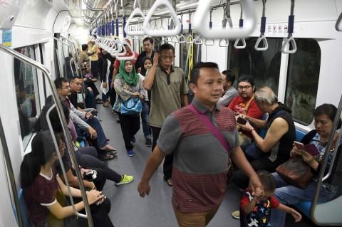 Penumpang MRT Melonjak saat Puncak HUT DKI
