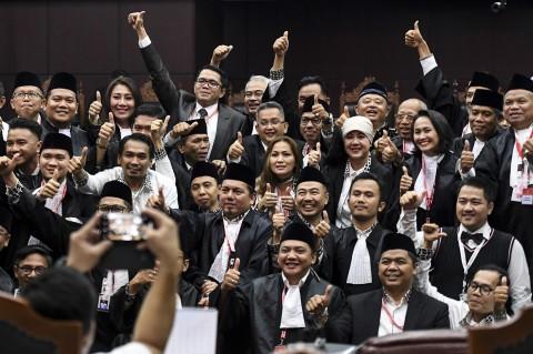 MK Tolak Seluruh Permohonan Prabowo-Sandiaga