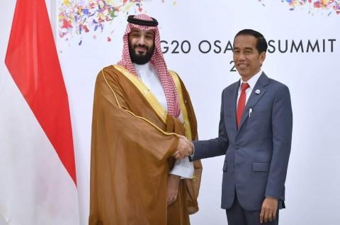 Jokowi Bahas Isu Energi saat Bertemu Pangeran Saudi