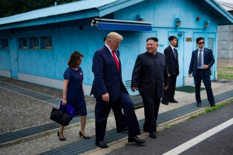 Korut Bangga Pertemuan Kim-Trump di Zona Demiliterisasi