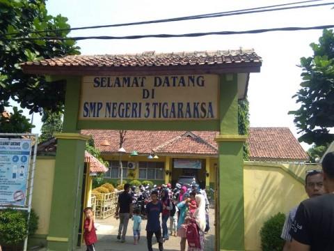 Antrean Pendaftar PPDB SMP di Tangerang Sejak Pagi